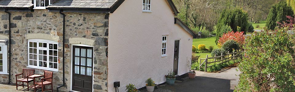 self catering holiday cottage near conwy north wales